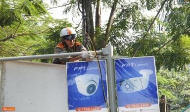 FPT Camera đồng hành giải chạy đêm VnExpress Marathon Hà Nội